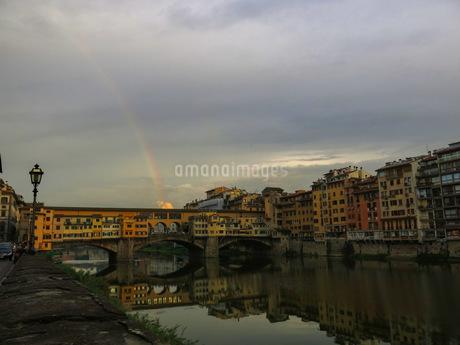 ポンテヴェキオと虹の写真素材 [FYI03407518]