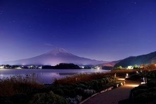 河口湖大石公園から望む富士山 日本 山梨県 富士河口湖町の写真素材 [FYI03407550]