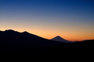霧ヶ峰 富士見台から望む富士山 日本 長野県 諏訪市の写真素材 [FYI03407577]