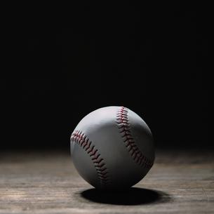 野球のボールの写真素材 [FYI03408110]