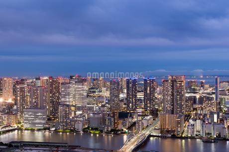 東京の夜景の写真素材 [FYI03408179]