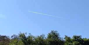 飛行機雲の写真素材 [FYI03408279]