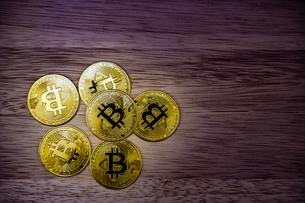 ビットコインのイメージ(仮想通貨)の写真素材 [FYI03408306]