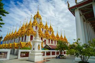 ワット・ラチャナダラム ロハプラサート(タイ王国 バンコク)の写真素材 [FYI03408313]