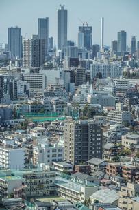 文京シビックセンター展望ラウンジから見える東京の街並みの写真素材 [FYI03408408]
