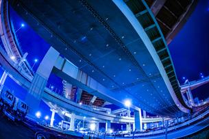 首都高速湾岸線・大黒ジャンクション(横浜市鶴見区)の写真素材 [FYI03408429]