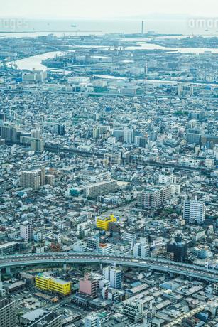 あべのハルカスからの大阪の街並みの写真素材 [FYI03408447]
