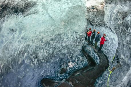 アイスランド・氷の洞窟(ヴァトナヨークトル)の写真素材 [FYI03408515]