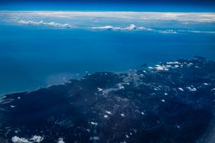 飛行機から見える雲と空の写真素材 [FYI03408714]