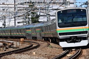 東海道線 鎌倉踏切の写真素材 [FYI03408808]