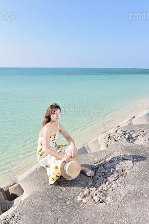 1人旅の女性の写真素材 [FYI03408931]