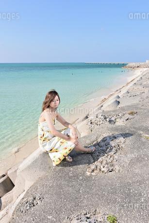 1人旅の女性の写真素材 [FYI03408933]