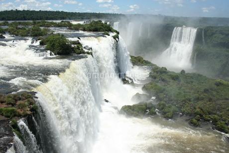 ブラジル側のイグアスの滝の写真素材 [FYI03409068]