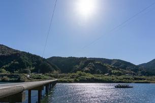 四万十川の三里沈下橋の写真素材 [FYI03409532]