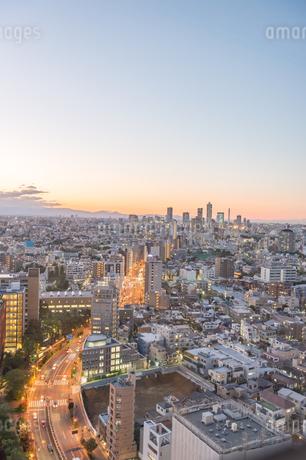 文京区から見た東京の夕暮れの写真素材 [FYI03410295]