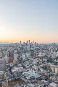 文京区から見た東京の夕暮れの写真素材 [FYI03410301]