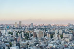 文京区から見た東京の夕暮れの写真素材 [FYI03410308]
