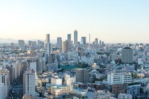 文京区から見た東京の夕暮れの写真素材 [FYI03410321]