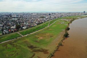 増水した江戸川の写真素材 [FYI03410602]