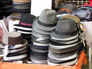 帽子店の店先の写真素材 [FYI03411210]