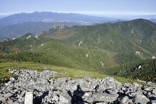 金峰山より八ヶ岳連峰と瑞牆山の写真素材 [FYI03411442]