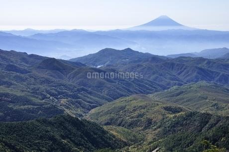 金峰山より富士山遠望の写真素材 [FYI03411464]