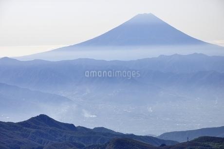 金峰山より富士山遠望の写真素材 [FYI03411466]