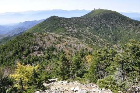 朝日岳より望む金峰山と南アルプスの写真素材 [FYI03411518]