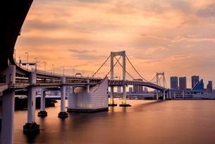 レインボーブリッジ 日本 東京都 港区の写真素材 [FYI03412254]