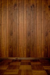 木製の壁と床の写真素材 [FYI03413483]