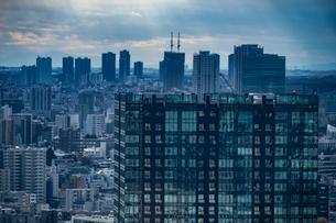 東京タワー展望台から見える東京の街並みの写真素材 [FYI03413549]