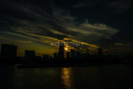 横浜の街並みと夕景の写真素材 [FYI03413879]