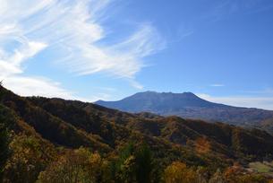 地蔵峠から見る御嶽山の写真素材 [FYI03413925]