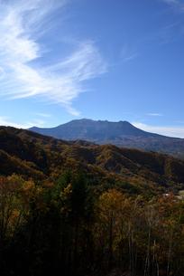 地蔵峠から見る御嶽山の写真素材 [FYI03413927]
