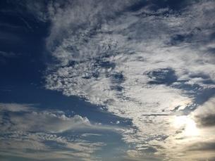 太陽を隠す雲の写真素材 [FYI03414874]