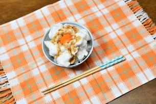 メレンゲのタマゴかけご飯の写真素材 [FYI03414932]
