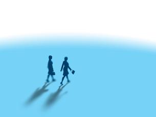 並んで歩く2人のビジネス女子のイラスト素材 [FYI03415520]