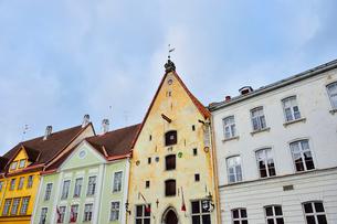 エストニアの世界遺産のタリン旧市街にあるタリン市立劇場・旧市街は世界遺産の写真素材 [FYI03415554]