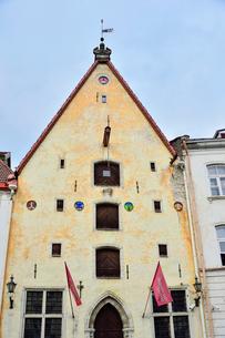 エストニアの世界遺産のタリン旧市街にあるタリン市立劇場・旧市街は世界遺産の写真素材 [FYI03415562]