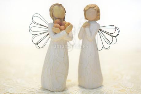 木製の天使の写真素材 [FYI03415780]