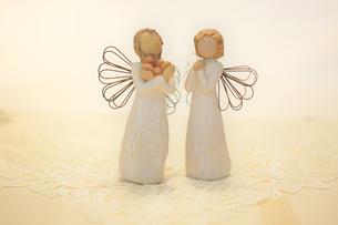 木製の天使の写真素材 [FYI03415781]
