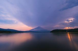 山中湖からの眺め 日本 山梨県 山中湖村の写真素材 [FYI03416460]