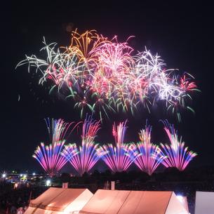 常総きぬ川花火大会 日本 茨城県 常総市の写真素材 [FYI03416463]