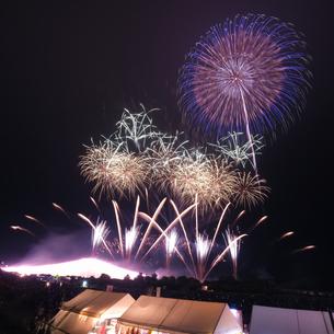 常総きぬ川花火大会 日本 茨城県 常総市の写真素材 [FYI03416465]