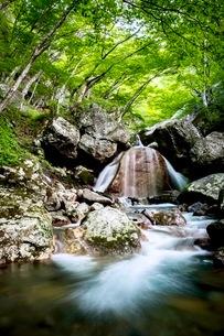 三日月の滝 日本 福島県 大玉村の写真素材 [FYI03416538]