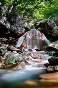 三日月の滝 日本 福島県 大玉村の写真素材 [FYI03416539]