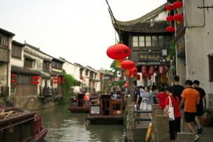 中国 蘇州の運河の写真素材 [FYI03416709]