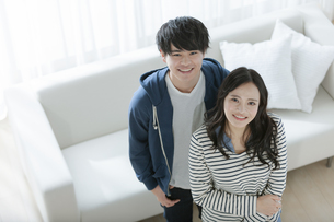 笑顔のカップルの写真素材 [FYI03416727]