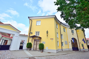 エストニア・タリン世界遺産の旧市街にある共和国の州の建物の写真素材 [FYI03417148]