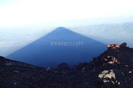 富士山の影の写真素材 [FYI03417214]